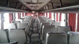 Vendo ônibus volvo