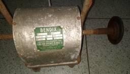 Motor elétrico Bendix 1/3 HP / 1425 rpm