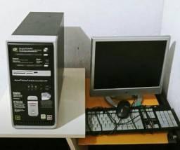 CPU Compaq memoria 512mb hd 200gb