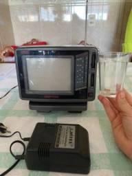 Mini TV vintage antiga portátil