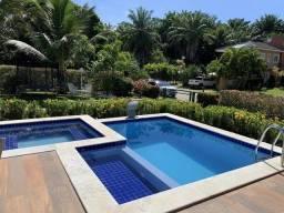 Casa para venda com 600 m² e 4 suítes no Condomínio Busca Vida em Camaçari BA.