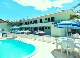 Apartamentos Mobiliados com 1 e 2 quartos** Piscina. 80 mts da Praia