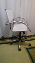 Cadeira de Couro - Escritório