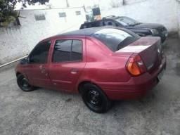 Carro Clio 1.0 16v - 2001