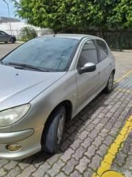 Carro utilitario - 2005