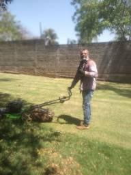 Serviços de corte de grama