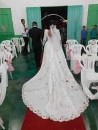 Alugo 800 vestido de casamento