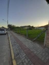 Terreno Plano e limpo 325m² na Praia de Mariscal Bombinhas/SC
