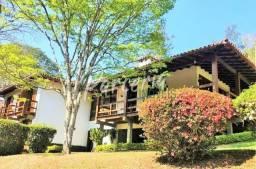 Casa encantadora,altíssimo padrão,local muito seguro,10 mim do Centro Itaipava
