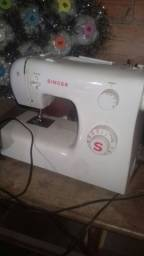 Vendo máquina de costurar nova