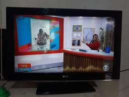 TV LG De Plasma 32 Polegadas com antena e controle!