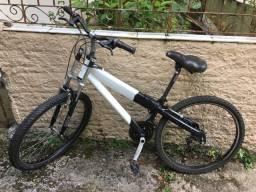 Bike Caloi de alumínio aro 26, barato .