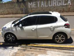 Peugeot - 208 automatico griffe ano 2016-2017