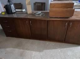 Vendo armário-madeira legítima