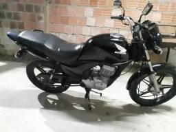 Moto em dias pedal