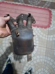 Catalisador 3 cilindros  .a ceramica ta inteira ms ele mesmo esta quebrado.