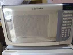 MICROONDAS ELECTROLUX CAPACIDADE 31 LITROS