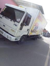 Frete mudança em caminhão Baú 710