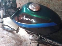Vendo uma moto CG 150 ou troco em carro