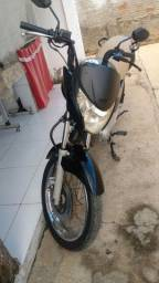 Moto Titan 150 es