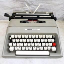 Maquina de escrever Olivetti Lettera college 35
