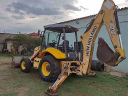 Retroescavadeira New Holland B90b