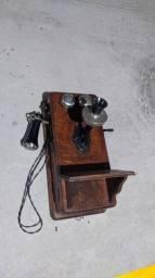 Telefone Antigo Original de Parede em Madeira