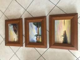 Trio de pinturas em tela com moldura com artista regional