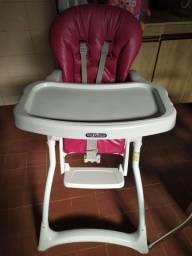 Cadeira de alimentação usada pouquíssimo, super nova.