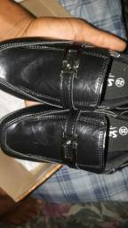 Título do anúncio: Sapato social infantil num: 25