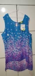 Blusa azul com estampa de flores - tamanho g NOVA