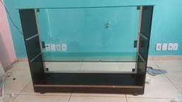 Balcão de vidro e MDF