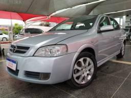 Astra Sedan Advantage 2.0 2010/2011 Temos City Fusion Corolla Voyage Versa Logan