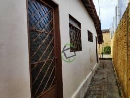 Casa com 1 dormitório para alugar, 165 m² por R$ 550/mês - Centro - Araraquara/SP