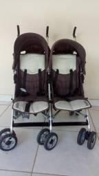 Carrinho de bebê duplo (gêmeos)