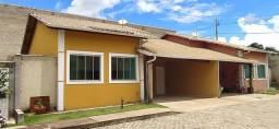 Casa de Condomínio no Centro de Ouro Branco com 3 Quartos para Alugar