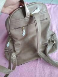 Delicada mochila feminina