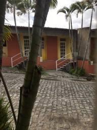 Alugo kitnet em condomínio fechado