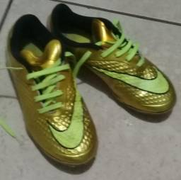Chuteira Nike Society Hypervenom Dourada - Original - Num 35 - Relíquia