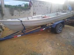 barco de alumínio com reboque