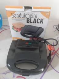 Sanduicheira Agratto nova na caixa