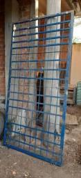 Grade Porta em aço reforçado
