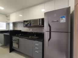 Apartamento 2 quartos na Praia do Suá, cozinha montada e fechamento de varanda