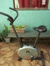 Bicicleta Ergométrica Vertical Action Bike - Super Conservada