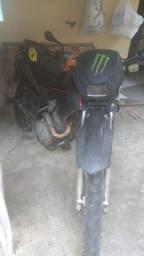 Vende-se uma moto 150 Bros 2004