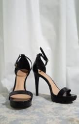 Sapato Arezzo pouco usado