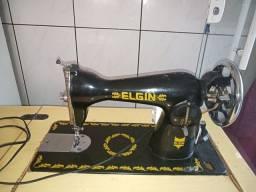 Vendo uma maquina de costura