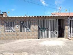 Casa 3 Quartos sendo um suíte, Aceita Financiamento e FGTS, Excelente localização ao próxi