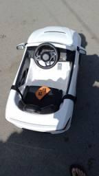 Vendo carrinho de controle remoto pra levar criança