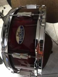 Vendo Caixa de bateria Pearl Decade Maple 14x5,5 peles novas da marca Evans.